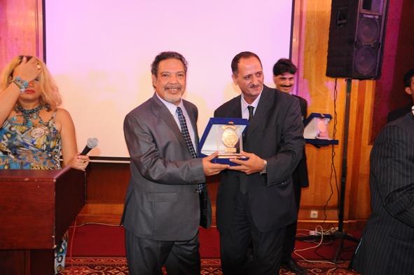 د. جمال مرسى من مصر ثانى العمودى