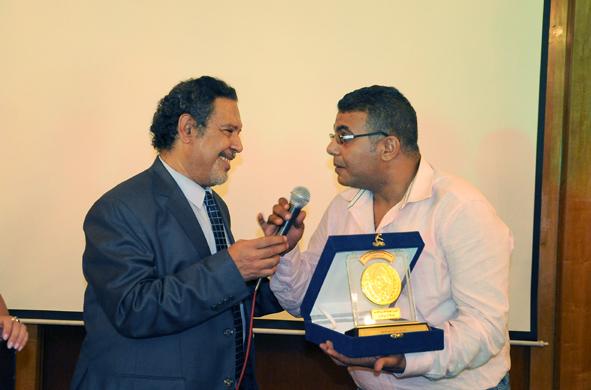 السيد عبد الدايم وتكريم عن المسرح الشعرى