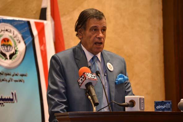 د. مصطفى الشامى الفنان وعميد المعهد فى كلمته