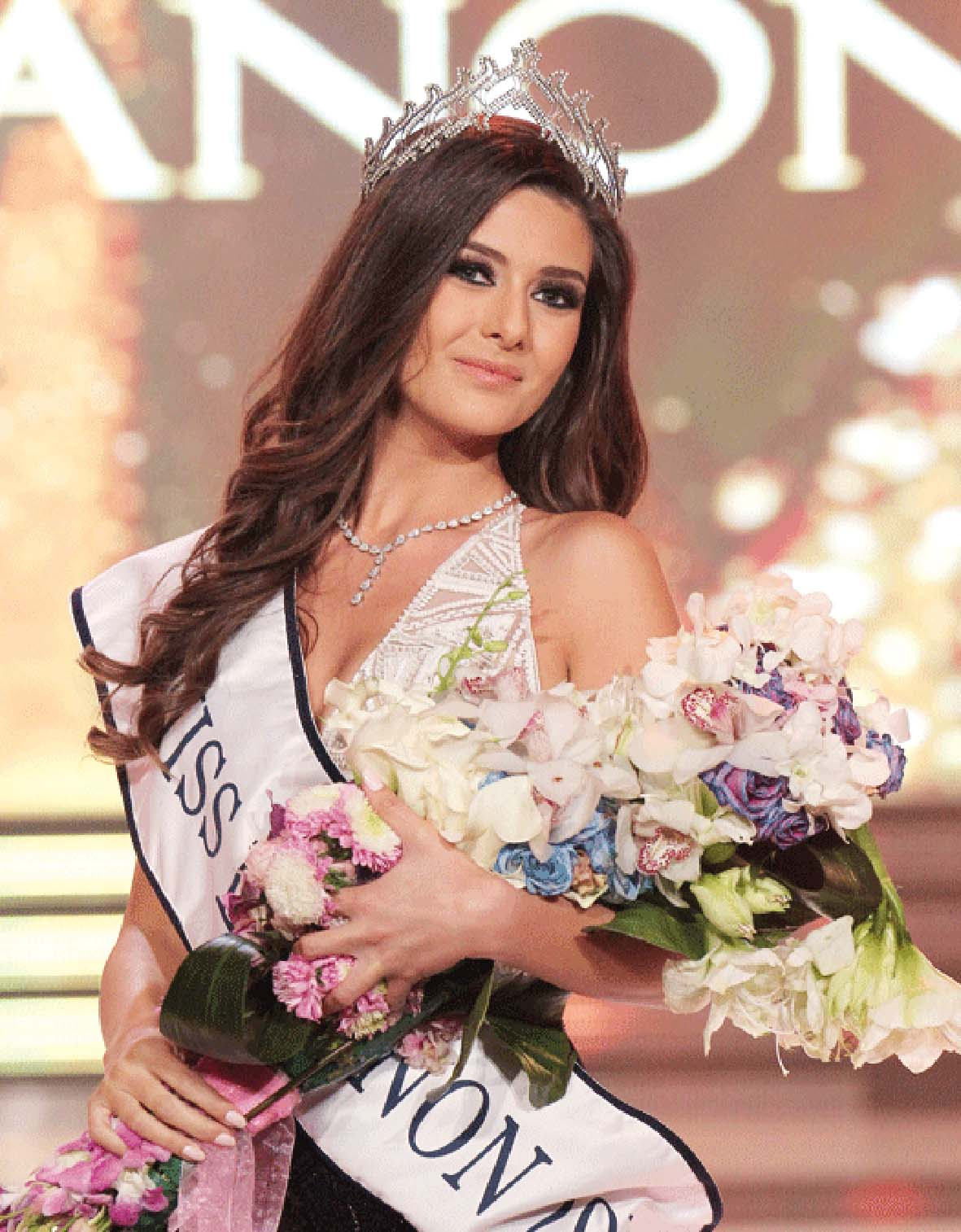 صورة ملكة جمال إسرائيل تسبب مشكلة لملكة جمال لبنان