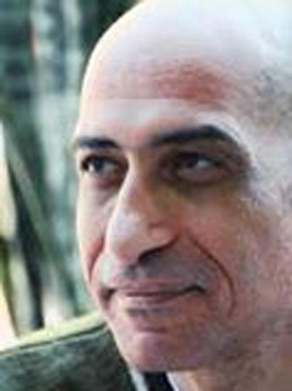 الدكتور خالد سرور قوميسيرًا عامًا لبينالي الطفل الدولي الأول