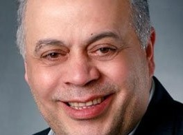 صوات اذاعية شابة نحو النجومية: أشرف العذار صوت عذب من وراء مصدح الاذاعة الوطنية التونسية اذاعة صفاقس