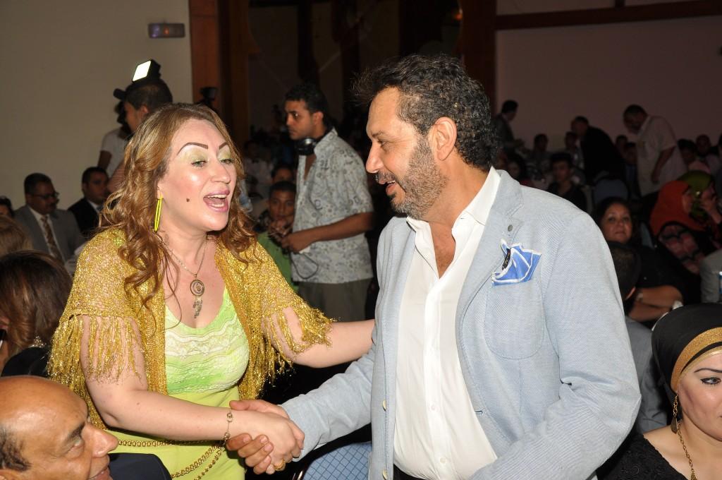 حوار ضاحك بين كمال أبو ريا وإيناس مكى