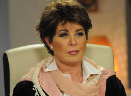 ماما نجوى تتحدى أحمد مكي بطلب مفاجئ وجوني ديب بديلاً لو لم يستجيب