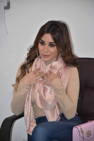 اللبنانية ساندرا تكشف عن حياتها وأعمالها الفنية
