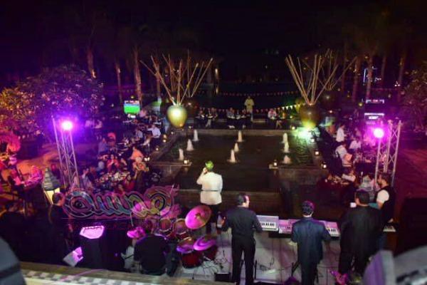اليوم الثانى عشر لخيمة هل هلالك الجمهور يشاهد في حب مصر والالات الشعبيه والتنوره وظل الحمار