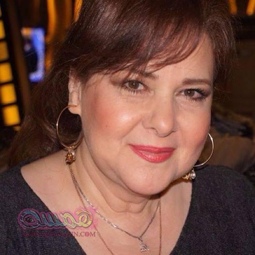 """دلال عبدالعزيز تتعاقد على مسلسل """"نقطة ومن أول السطر"""""""