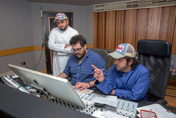 """بالصور .. """"عيضة المنهالي"""" يستعد لإطلاق ألبومه الثالث و نافورة دبي تتراقص على أغنيته """"تولهت أنا لصوتك"""""""
