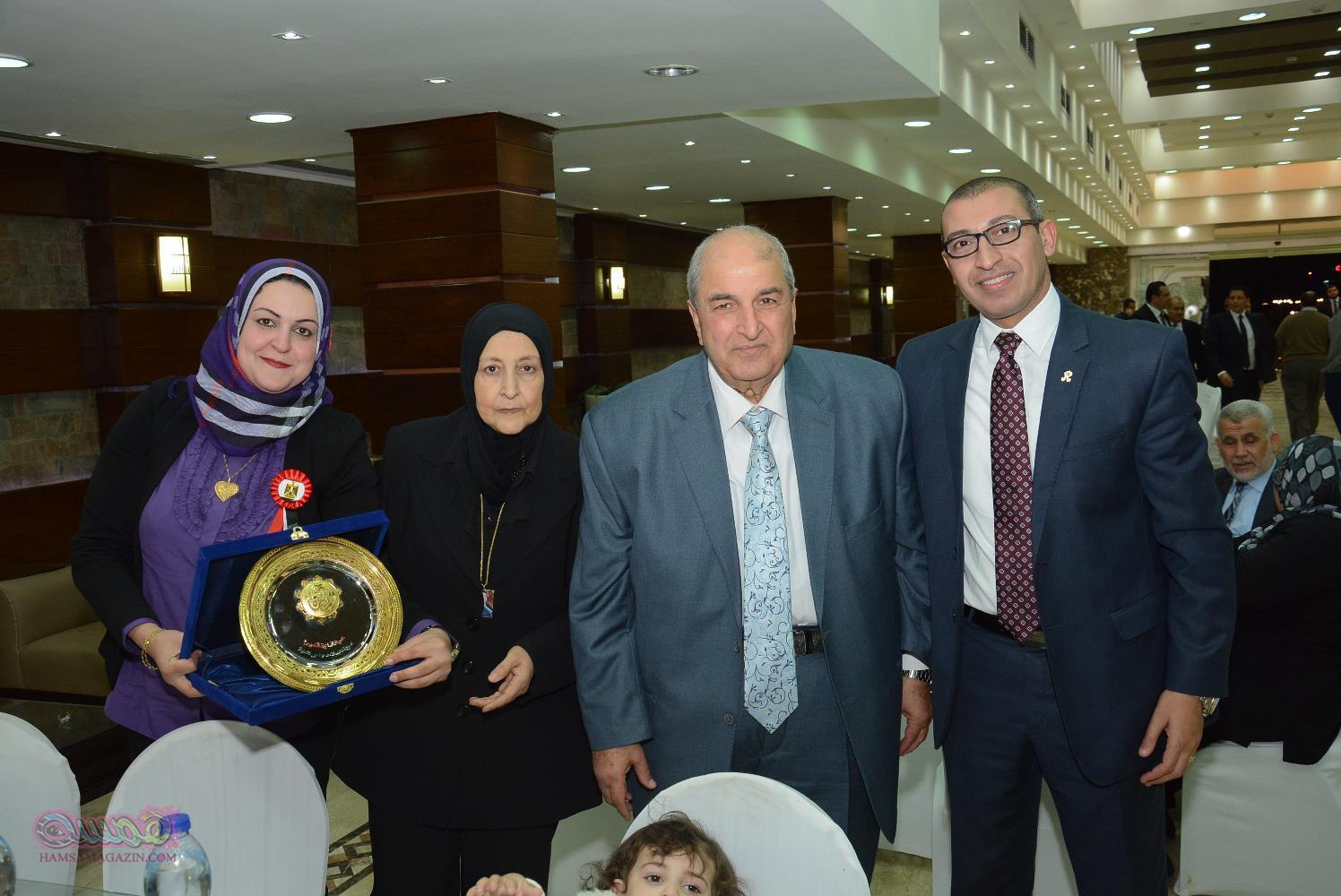 نادي القضاة يكرم أسر شهداء القضاة والجيش والشرطة