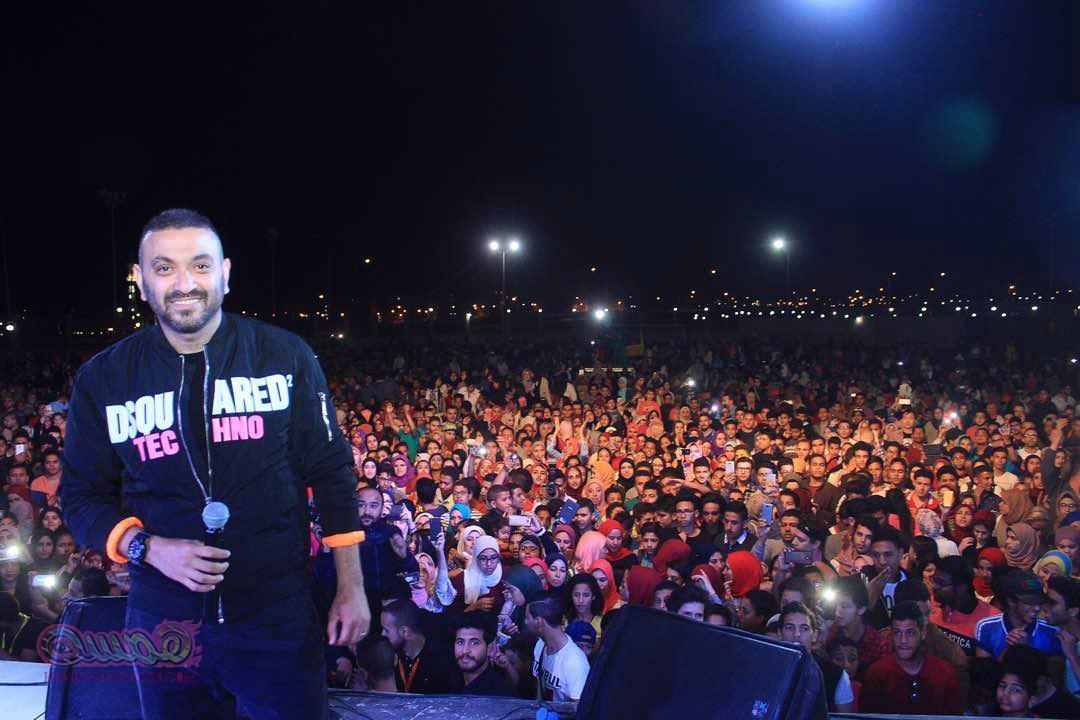 بالصور…. كريم محسن يحتفل بالربيع وسط الالاف من جمهوره بالعبور